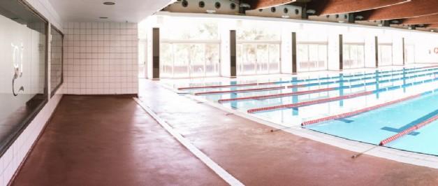 Piscina de pm sitges piscina piscina municipal gimn s for Piscina municipal sitges